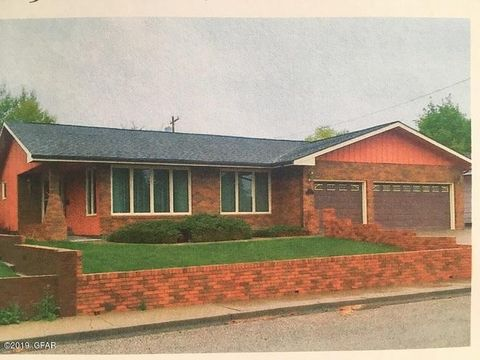 309 13th Ave Se, Cut Bank, MT 59427