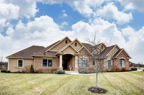 Photo of 1220 Macintosh Ct, Troy, OH 45373