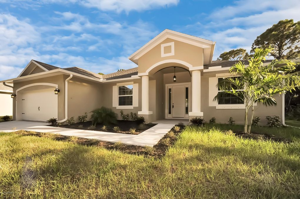 680 Montana Ave SE Palm Bay, FL 32909
