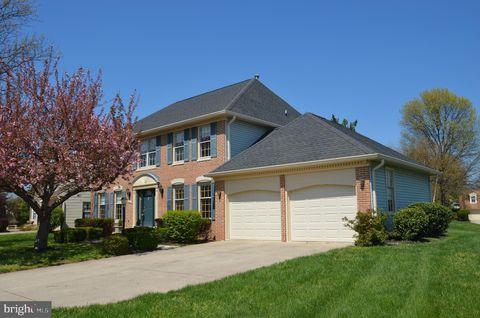 Photo of 5260 Glen Meadow Rd, Centreville, VA 20120