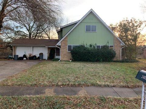 2402 Woodlawn Dr, Ennis, TX 75119
