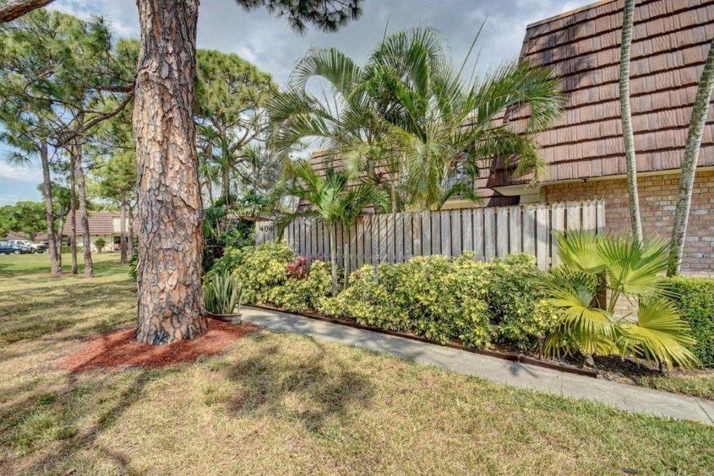 404 4th Ln, Palm Beach Gardens, FL 33418 - realtor.com®