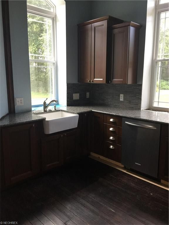 update kitchen cabinets 8925 windy ridge rd dennison oh 44621 realtor 174 3083