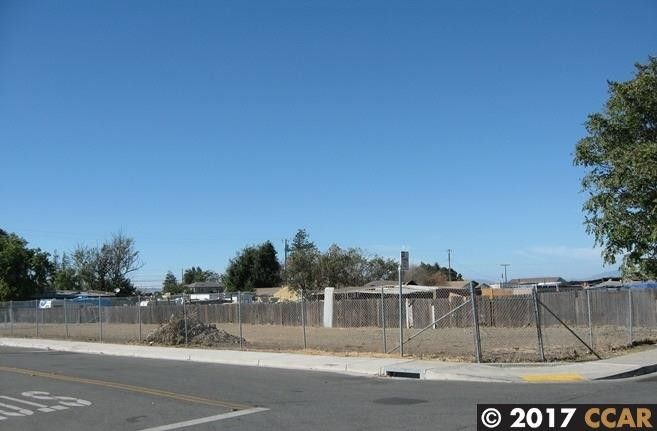 177 Poinsettia Ave Bay Point, CA 94565