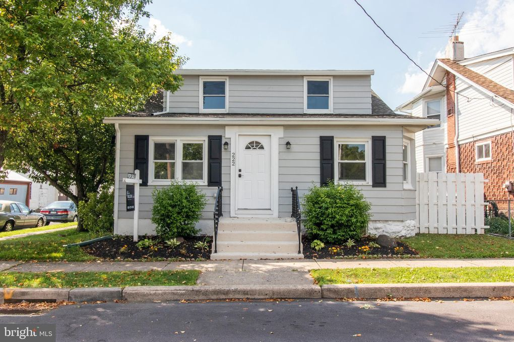 222 Green St, Lansdale, PA 19446