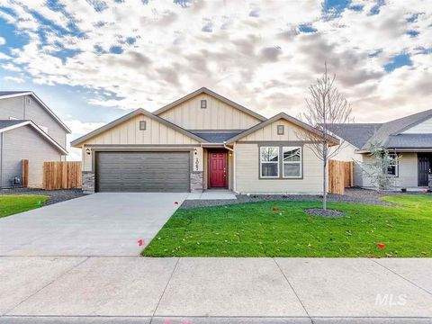 Photo of 700 Sw Inby St, Mountain Home, ID 83647