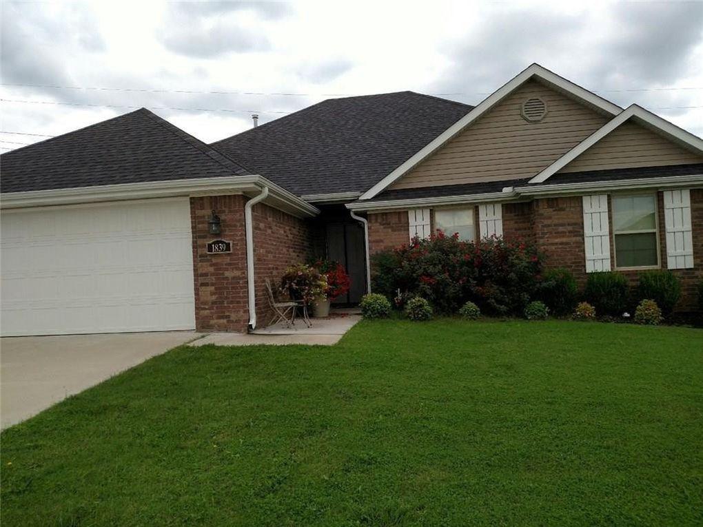 1839 S Sinclair Ave, Fayetteville, AR 72701