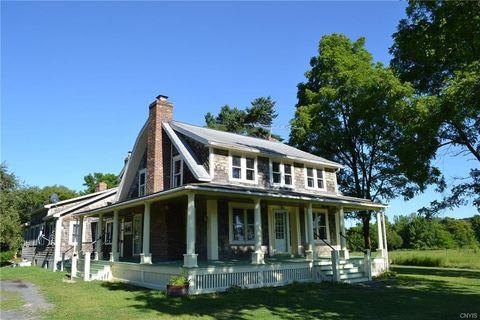 Photo of 1821 Benson Rd Unit 1, Skaneateles, NY 13152