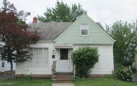 Photo of 19608 Beverly Ave, Maple Heights, OH 44137