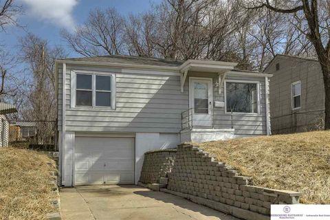 3731 N 42nd St Omaha NE 68111 Brokered By BHHS Ambassador Real Estate