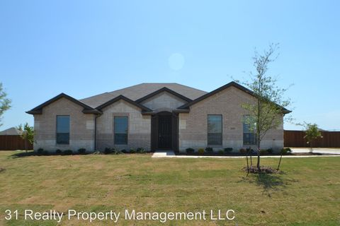 Photo of 1119 Sumner Dr, Venus, TX 76084