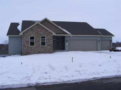 108 Foxview Ct, Beaver Dam, WI 53916
