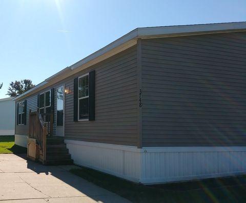 3761 Golden Oak, White Lake, MI 48383