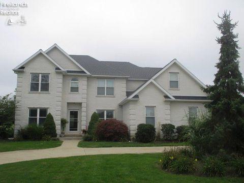 Photo of 810 Birchwood Dr, Sandusky, OH 44870