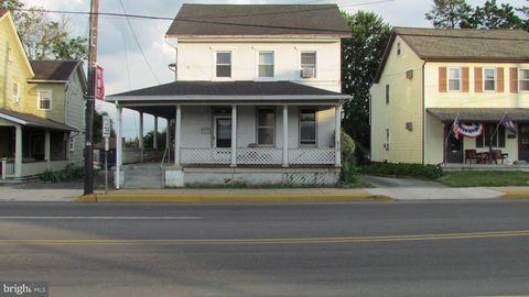 210 W Main St, New Holland, PA 17557