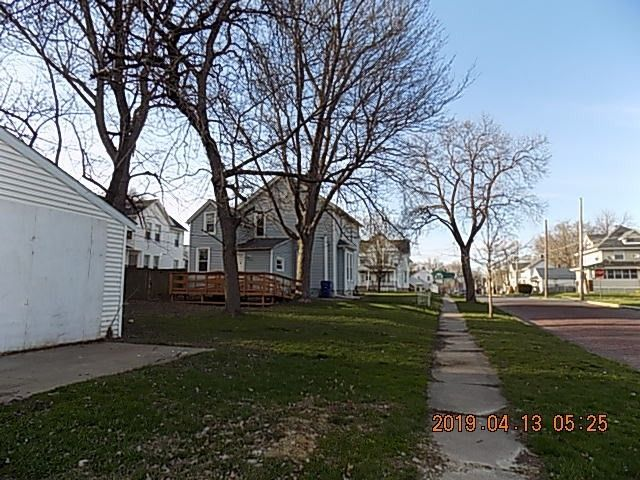 503 W 15th St, Davenport, IA 52803