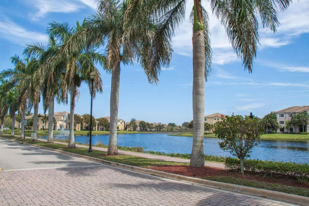 2806 Veronia Dr Apt 101, Palm Beach Gardens, FL 33410
