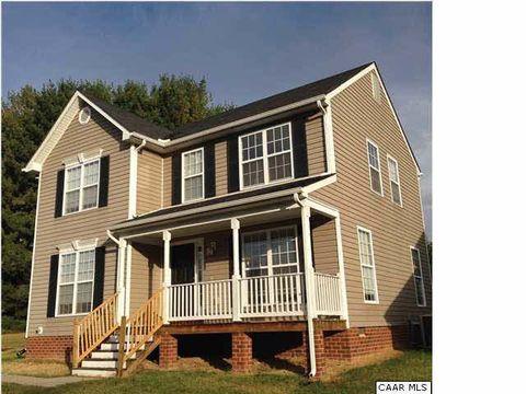 Photo of 2605 Village Dr, Waynesboro, VA 22980