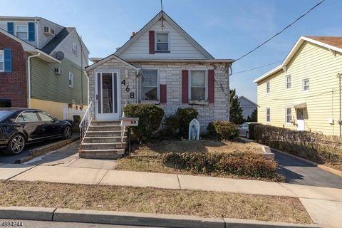 Photo of 468 Thomas Ave, Lyndhurst, NJ 07071