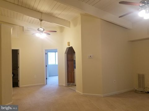 Photo of 11400 Cherry Hill Rd Unit 304, Silver Spring, MD 20904