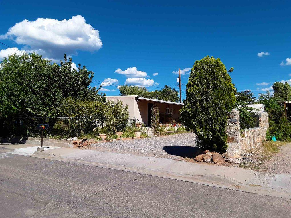 311 Villeros St Santa Fe, NM 87501