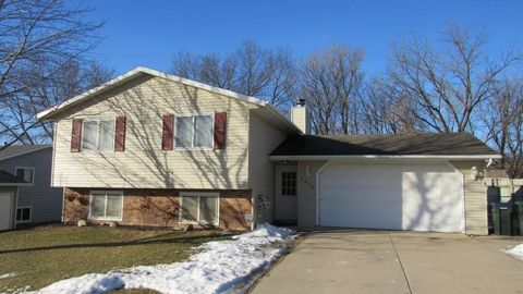 3839 10th Ave Sw, Rochester, MN 55902