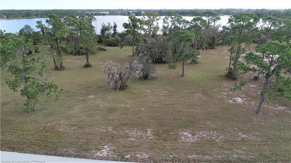 4068 Camp Shore Dr Sebring, FL 33875