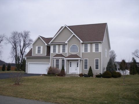 14 Hunters Run, Horseheads, NY 14845