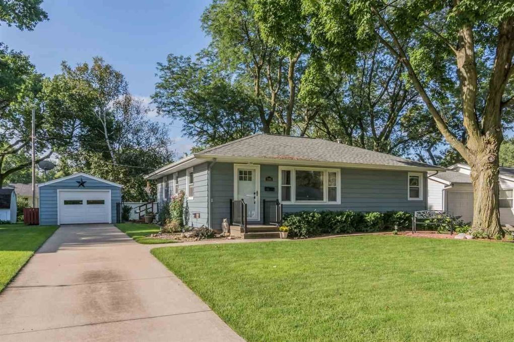 2995 15th Ave Marion, IA 52302