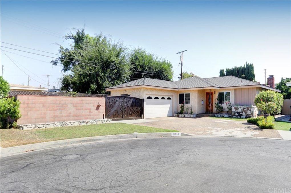 11444 Samoline Ave Downey, CA 90241