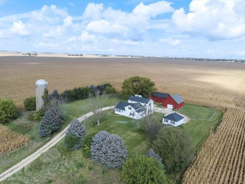 Photo of 14949 Bastian Rd, Hinckley, IL 60520