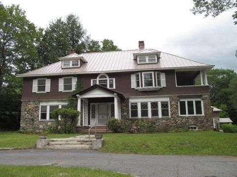 Photo of 1 Foster Pl, Claremont, NH 03743
