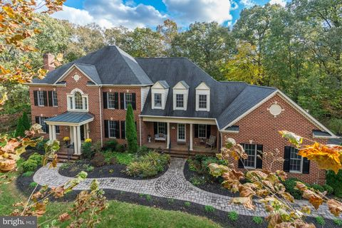 Photo of 625 Brookstone Dr, Crownsville, MD 21032
