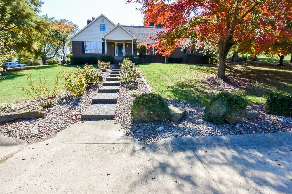 40 Oak Meadow Rd Evansville, IN 47725