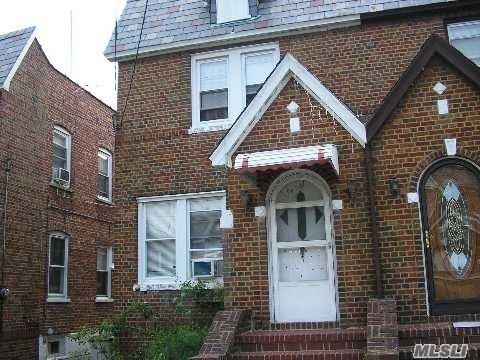 94 22 239th St Floral Park NY 11001