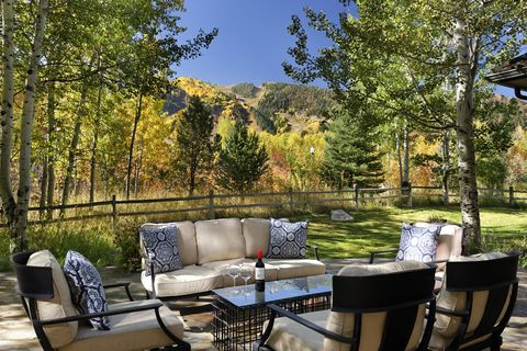 Photo of 125 Miners Trail Rd, Aspen, CO 81611