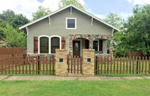 Photo of 1007 N Cleveland Ave, Sherman, TX 75090