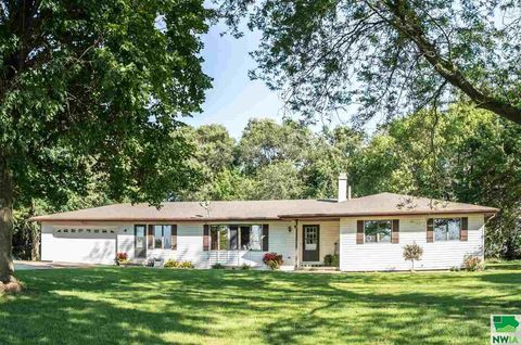 Photo of 42131 260th St, Remsen, IA 51050