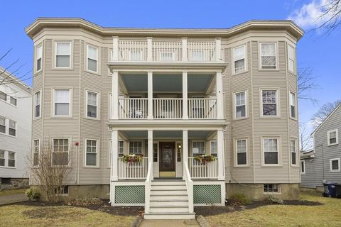 37 Milwood St Apt 6, Boston, MA 02124