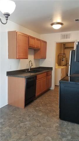 42564 Saratoga Rd, Canton Township, MI 48187