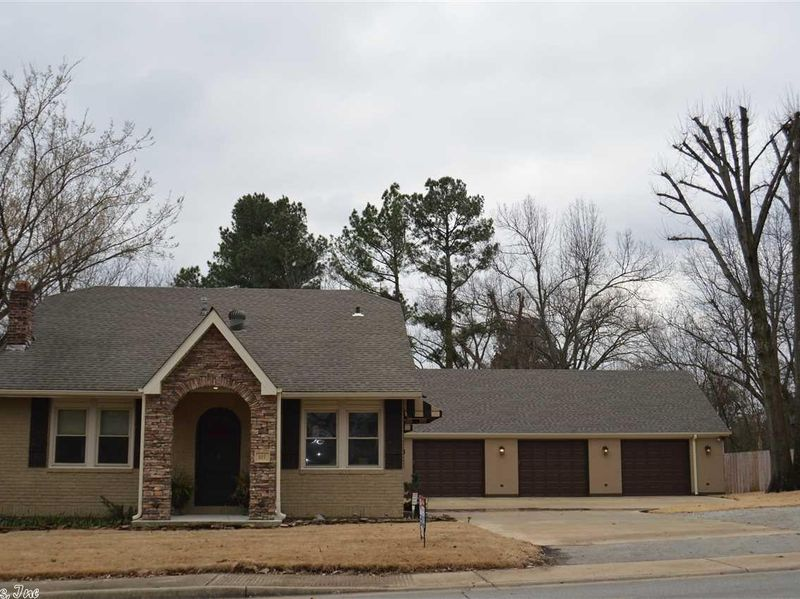 327 e nettleton ave jonesboro ar 72401 home for sale
