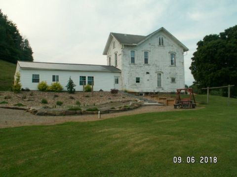 Photo of 3300 Sr 258 Sw, Newcomerstown, OH 43832