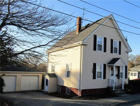 Bristol ri single family homes for sale realtor 15 baker st bristol ri 02809 brokered by william raveis real estate sciox Image collections