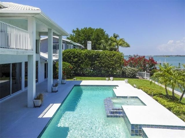 67 windward is clearwater beach fl 33767 home for sale