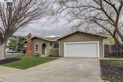 Photo of 1204 Saint Mary Dr, Livermore, CA 94550