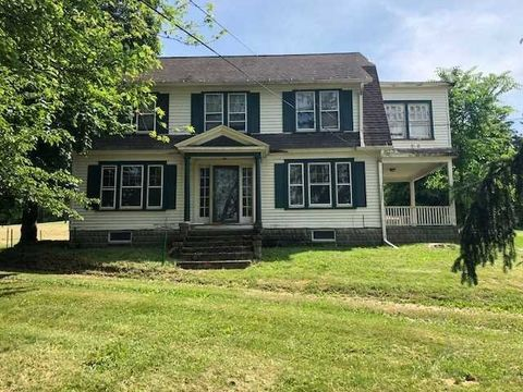 210 Manchester Rd, Poughkeepsie, NY 12603