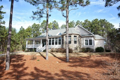 124 Lawrence Overlook, West End, NC 27376
