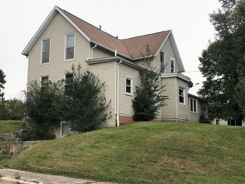 102 Ne 1st Ave, Dayton, IA 50530