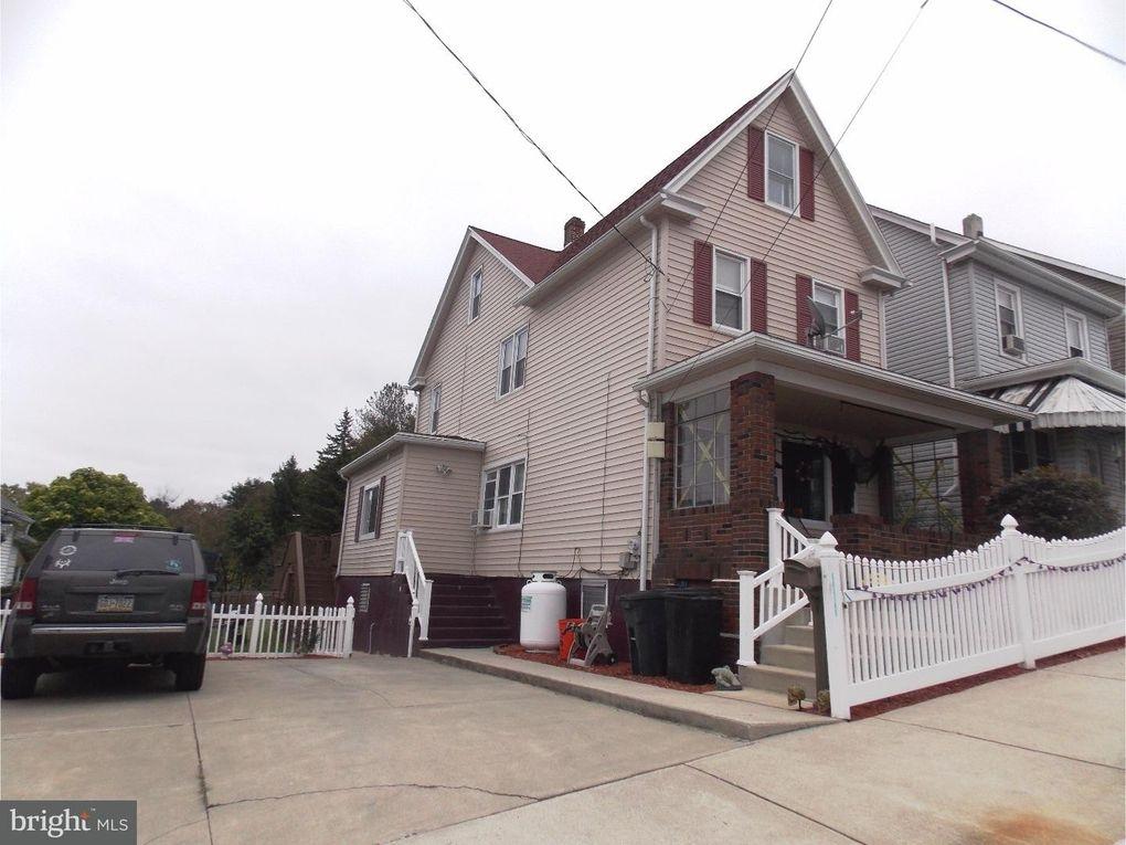 215 East St Coaldale, PA 18218