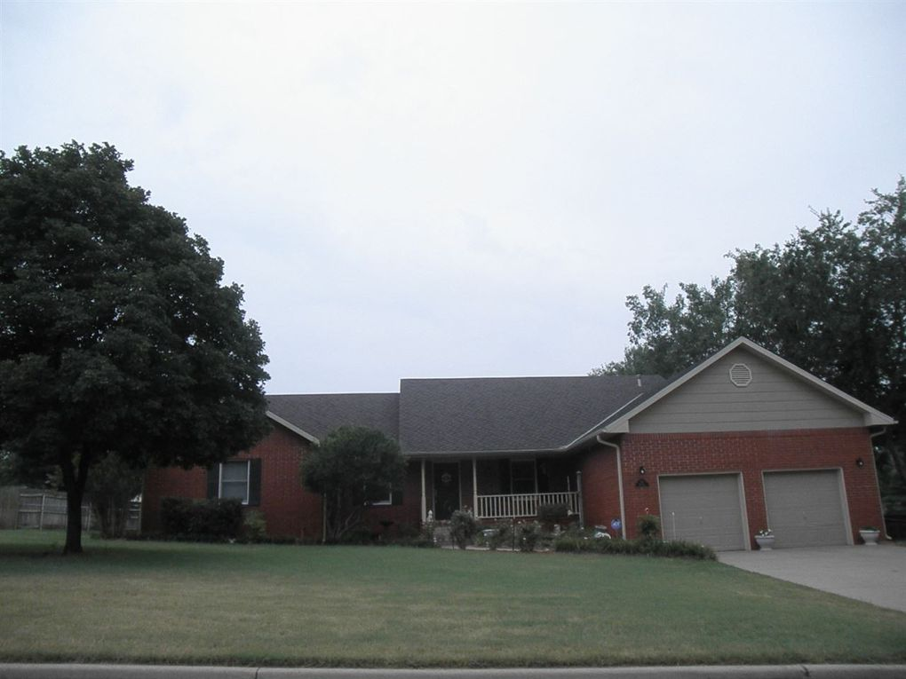 32 Raintree St Ponca City, OK 74604